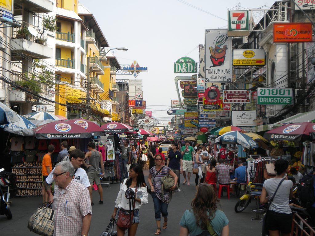 Khao San Road - El Barrio Mochilero