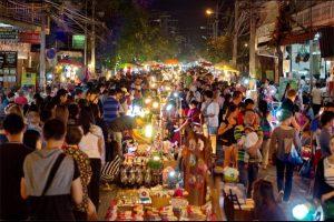 Mercado Nocturno del Domingo en Chiang Mai