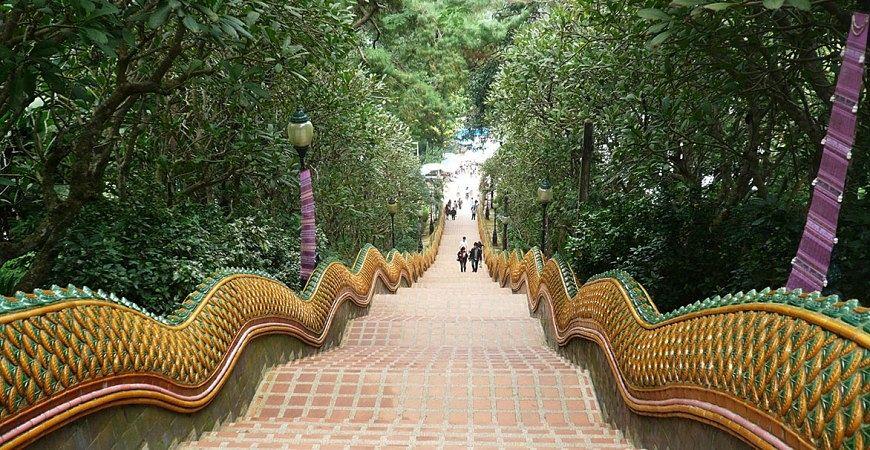 Acceso a Doi Suthep - Que ver y hacer en Chiang Mai