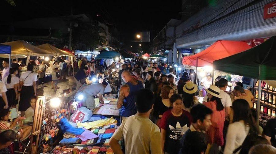 Mercando Nocturno del Domingo - Chiang Rai