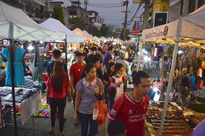 Mercando Nocturno del Sabado - Chiang Rai