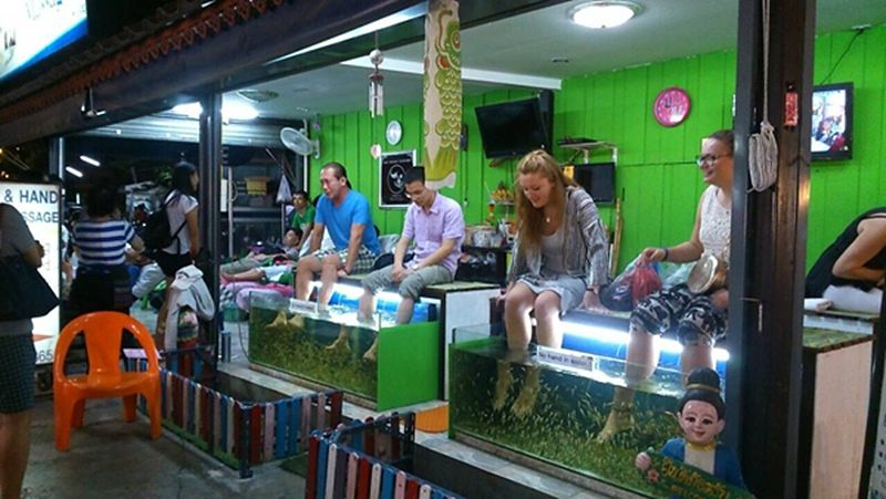 Bazar Nocturno de Chiang Mai - Spa Peces