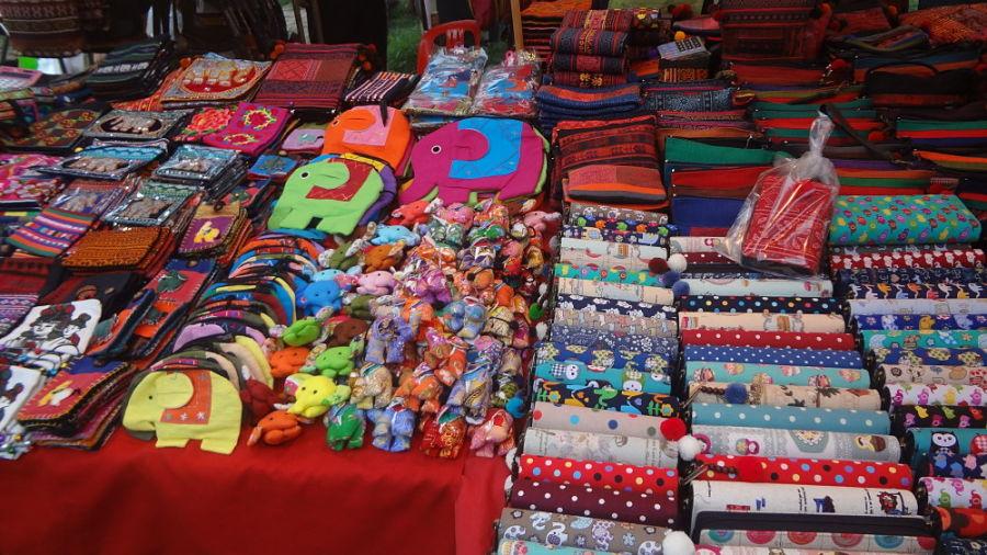 Mercado Nocturno Chiang Mai - Souvenirs