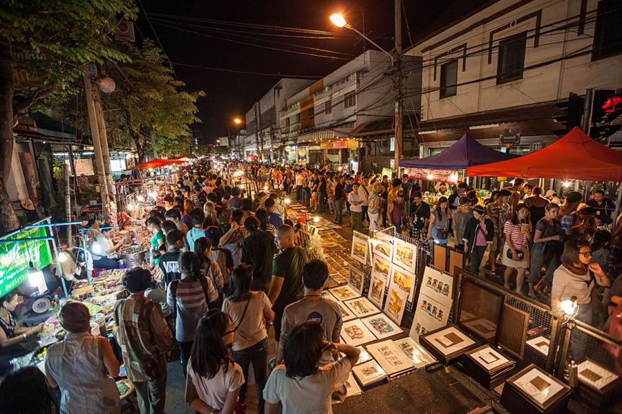 Mercado Nocturno del Sábado de Chiang Mai - Calles