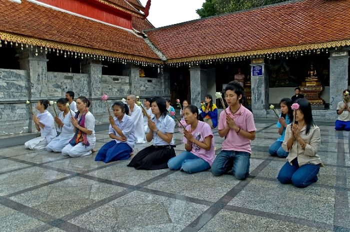Retiro de meditación en el templo Doi Suthep