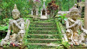 Visita el TemploWat Pha Lat de Chiang Mai