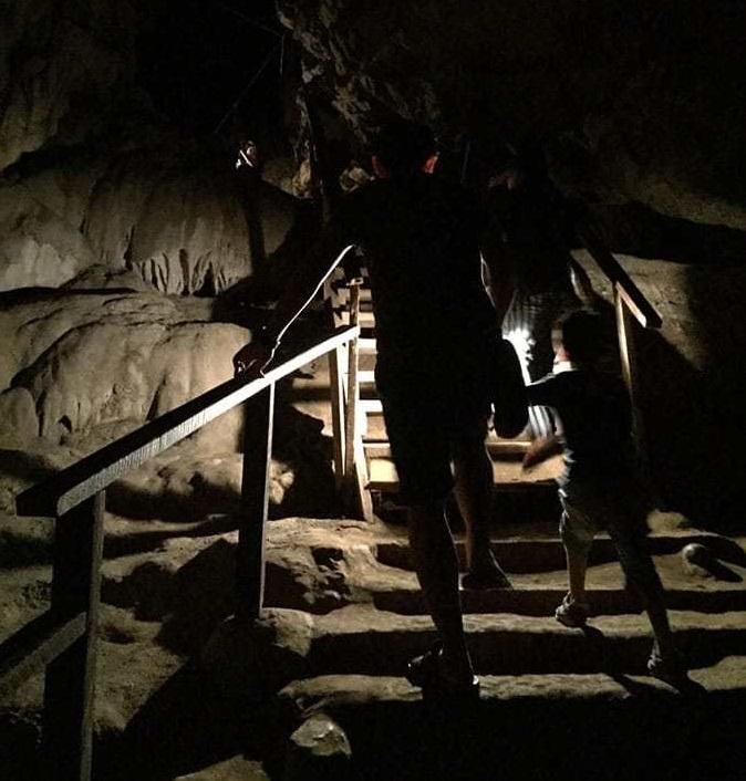 Cueva Lod - Pai - Escaleras