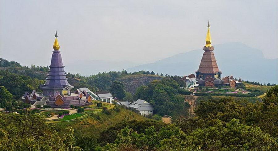 Doi Inthanon - Parque Natural de Chiang Mai - Pagodas en la cima