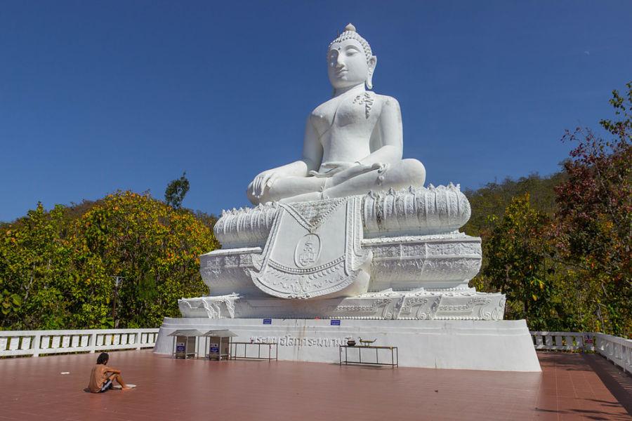 Gran Buda Blanco de Pai
