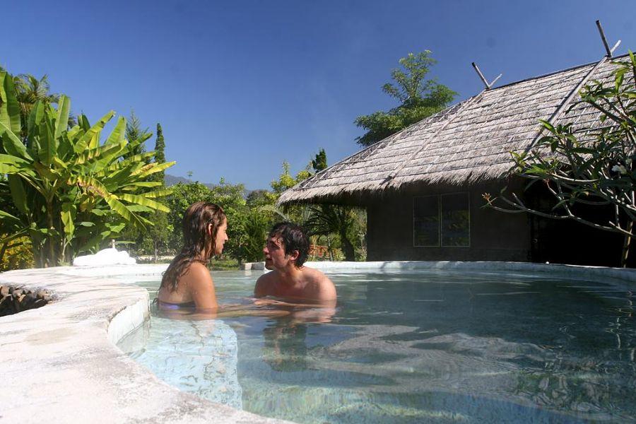 Pai Hotsprings Spa Resort - Piscina de Aguas Termales en Pai