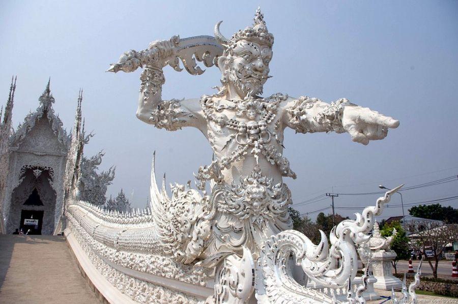 Templo Blanco de Chiang Rai - Entrada