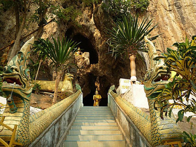 Templo en la Cueva de Chiang Rai - Acceso