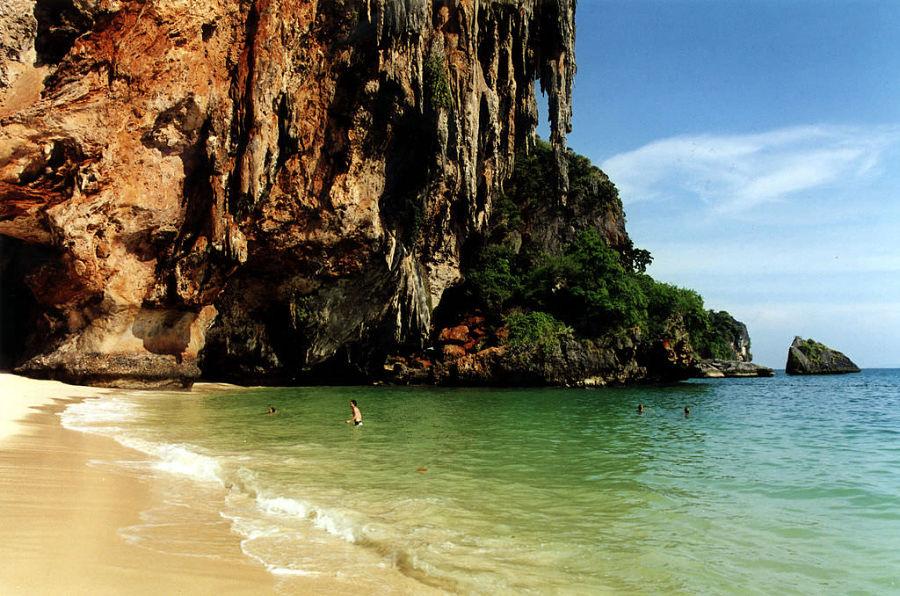 Ao Phra Nang Beach - Rocas