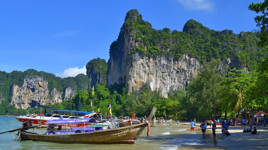 Railay West Beach - Krabi - Barcas LongTail