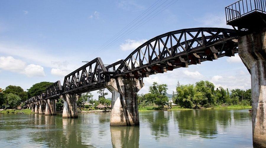 El Puente Sobre El Río Kwai - Kanchanaburi (Tailandia)