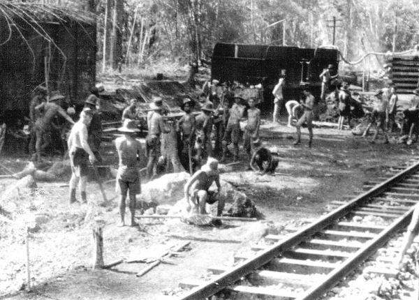 Construcción del Ferrocarril de la Muerte. Foto propiedad de la Australian War Memorial