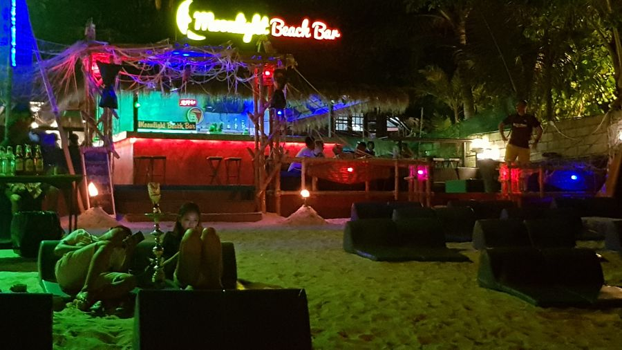 Moonlight Beach Bar - Vida Nocturna Koh Phi Ph