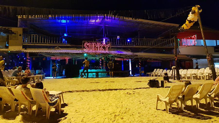 Slinky Hostel - Discotecas de Koh Phi Phi