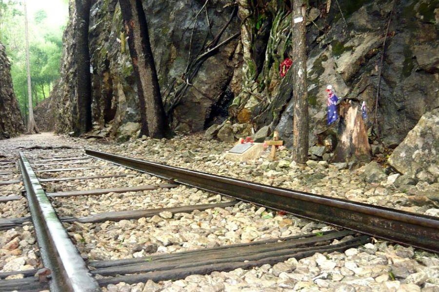 Vías de tren en el Hellfire Pass