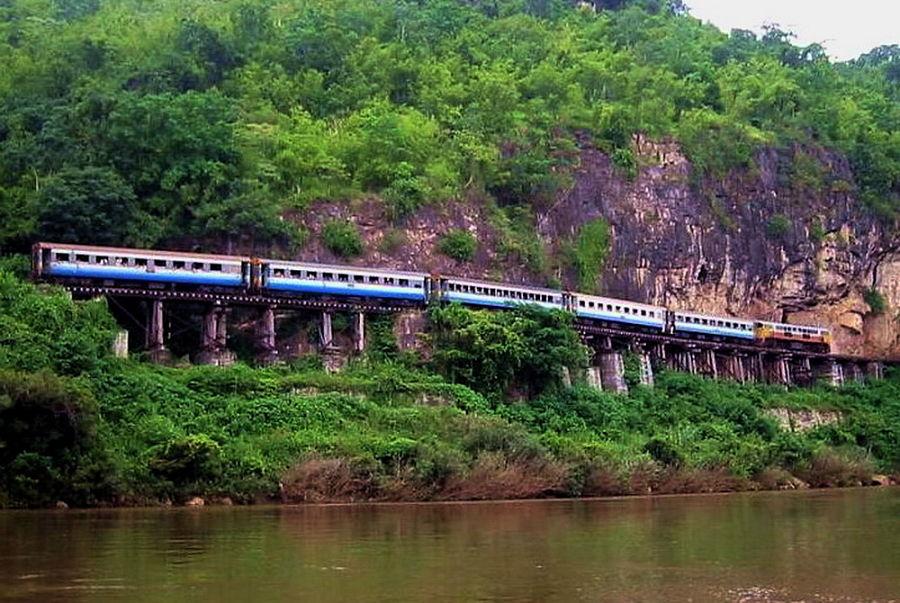 Vista Panorámica del Tren de la Muerte (Tailandia)
