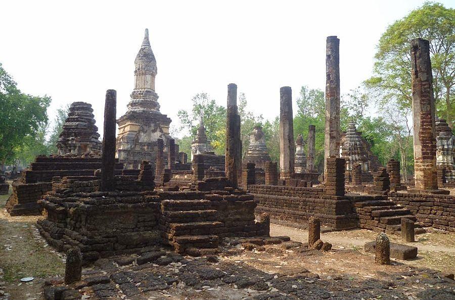 Wat Chedi Chet Thaeo - Parque Histórico de Si Satchanalai