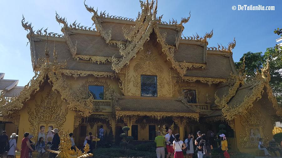 Aseos del Templo Blanco de Chiang Rai - Wat Rong Khun