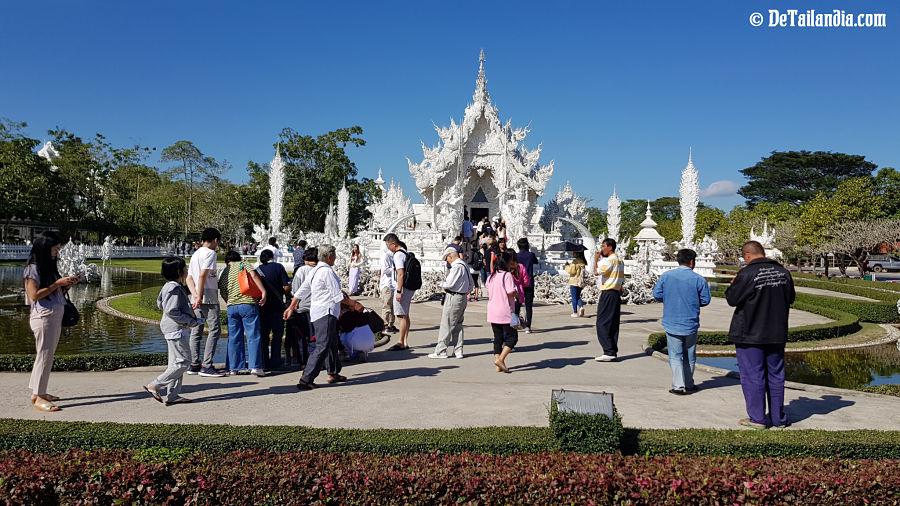 Exteriores del Templo Blanco de Chiang Rai - Wat Rong Khun