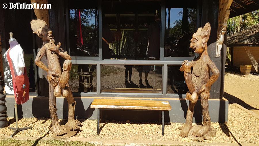 Figuras de la Casa Negra de Chiang Rai - Museo Baandam
