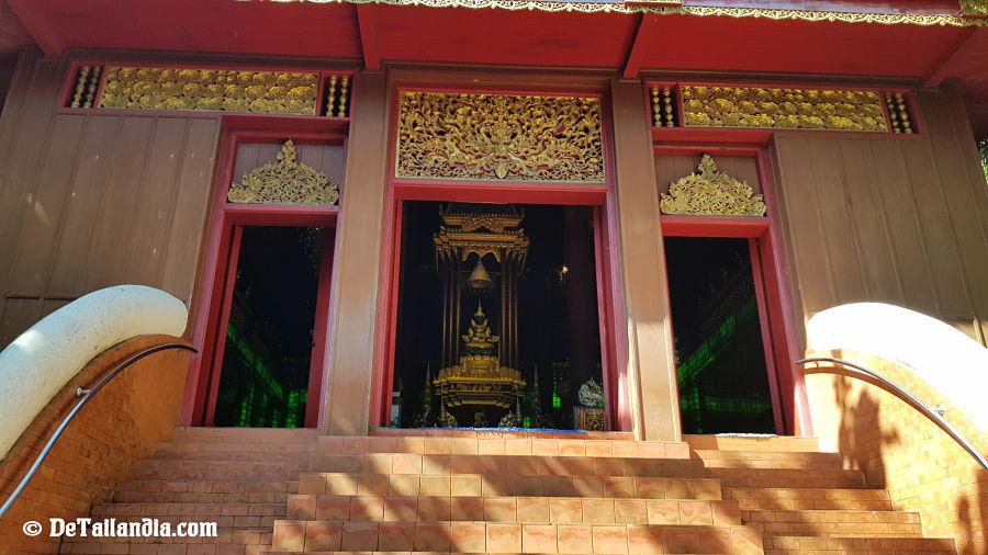Puerta de acceso al Buda Esmeralda de Chiang Rai