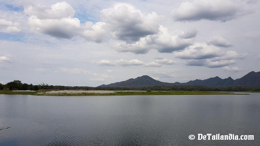 Lago Kew Lom (Presa Kiu Lom)