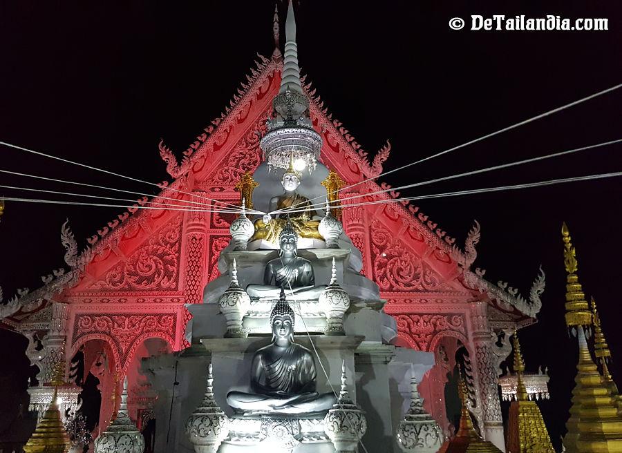Iluminación del Wat Chiang Rai