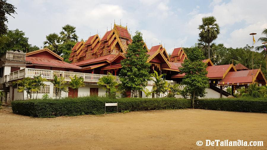 Wat Si Rongmuang en Lampang