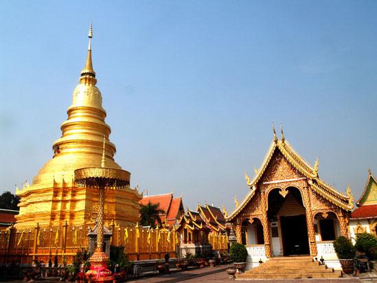Phrathat Hariphunchai pagoda, Lamphun province, Thailand