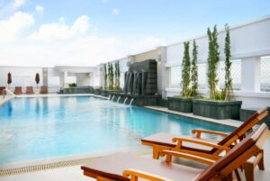 Piscina del hotel Kantary