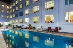 Hotel con piscina en Kanchanaburi