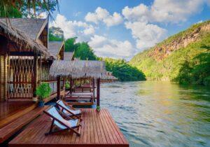 Hotel en el río en Kanchanaburi